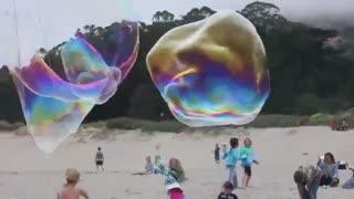 ساخت حباب های غول پیکر