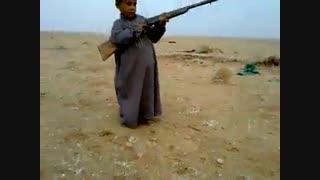 تیر اندازی بچه عرب