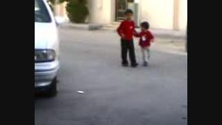 عکس العمل بچه به صدای آژیر