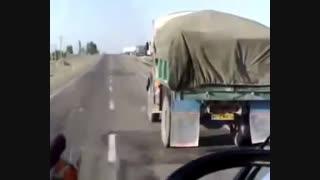 لحظه چپ کردن وحشتناک یک کامیون در ایران