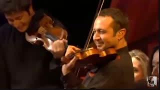 زیباترین قسمت کنسرت یانی ( گفتگوی هیجان انگیز سازها ) - بدرخواست دختر گلم تینا