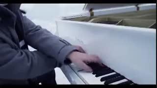 آهنگ زیبای  let it goاز گروه the guys piano