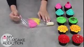 تزیین کاپ کیک های رنگی