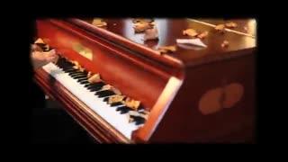 پیانو نوازی آرامش بخش و زیبا