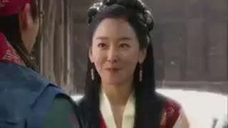 کلیپ عاشقانه دختر امپراطور جدید در هوای برفی (9)