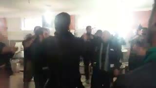 عزاداری خادمین امام حسین ع درآشپزخانه تکیه سیدالشهدای نیاک درروزعاشورا