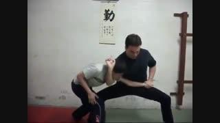 تاکتیک های دفاع شخصی خیابانی - از سری فیلم های آموزش هنرهای رزمی و دفاع شخصی کوثرپرداز