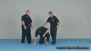 کیوشوجیتسو ـ دفاع با ضربه به نقاط حساس بدن حریف 01- آلبوم های آموزش هنرهای رزمی و دفاع شخصی کوثرپرداز