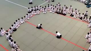 آیکیدو - تکنیک های عالی استادان ژاپنی -  از سری آلبوم های آموزش هنرهای رزمی و دفاع شخصی کوثرپرداز