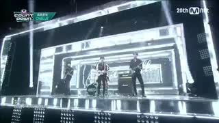 اجرای زنده آهنگ cinderella از گروه cnblue