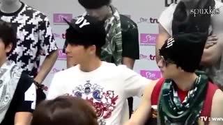 Donghae loves Hyuk (: