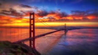 متن و موزیک ویدئو هتل کالیفرنیا همراه با زیرنویس انگلیسی و فارسی
