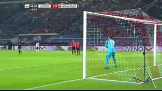 خلاصه بازی:  لایپزیک  3 - 0  فرانکفورت