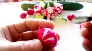 آموزش میوه آرایی - طرح گل با تربچه