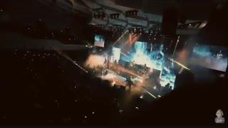 کلیپ کامل یه لحظه نگام کن در کنسرت
