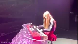 پیانو زدن رزی BLACKPINK