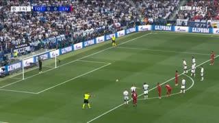 گل اول لیورپول به تاتنهام توسط محمد صلاح (پنالتی)